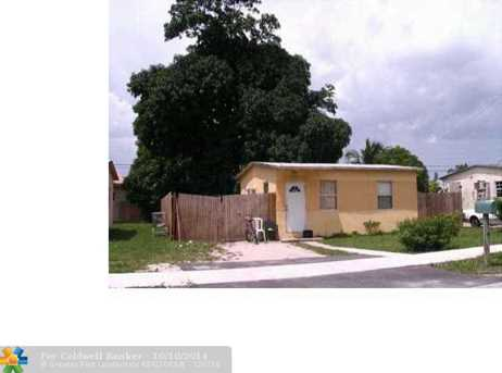2507 NW 4th Ct - Photo 1