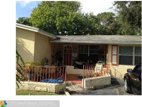 931 NW 38th Ave - Photo 1