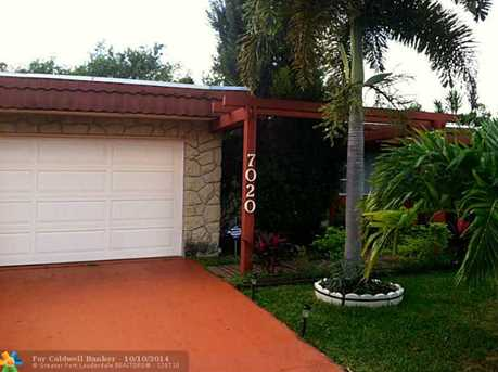 7020 NW 63rd St - Photo 1
