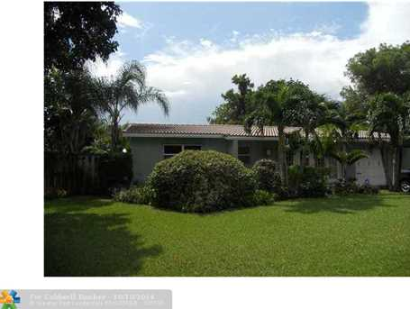 2633 NW 5th Ave - Photo 1