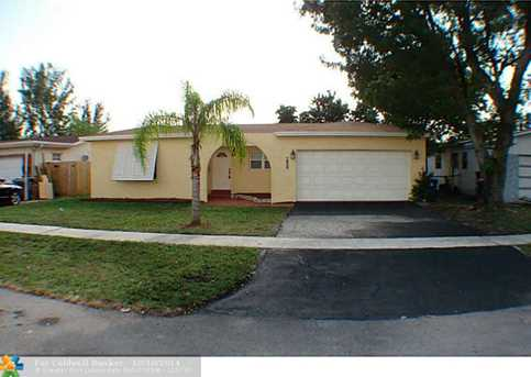 7200 NW 20th St - Photo 1