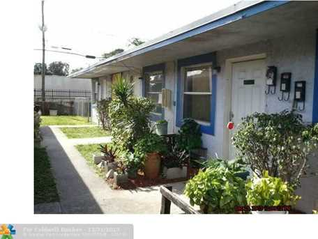 3020 NW 2nd St - Photo 1
