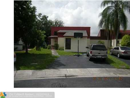 10024 SW 14th St - Photo 1