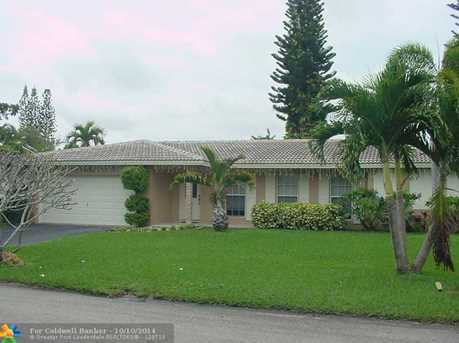 11720 NW 26th St - Photo 1