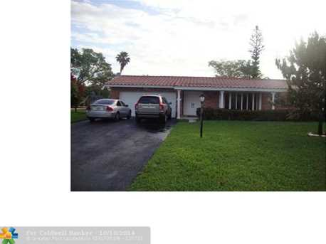 9901 NW 38th St - Photo 1