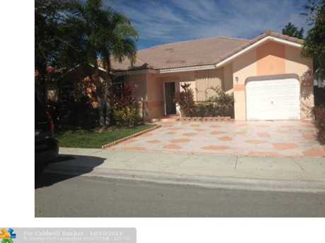 9901 NW 76th Ct - Photo 1