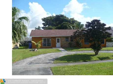 7317 SW 8th Ct - Photo 1