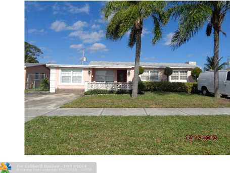 665 NW 19th St - Photo 1