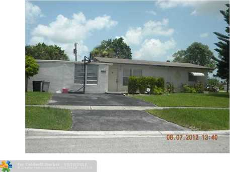 904 E River Dr - Photo 1