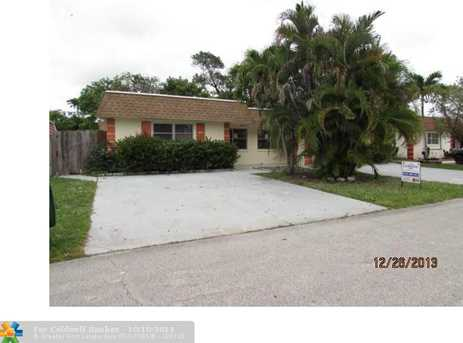 7401 NW 76th Ct - Photo 1