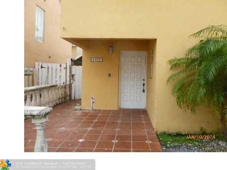 2408 W 54th Pl, Unit # 4 - Photo 1