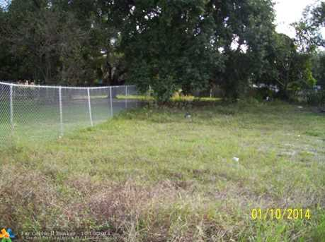 826 NW 3 St - Photo 1