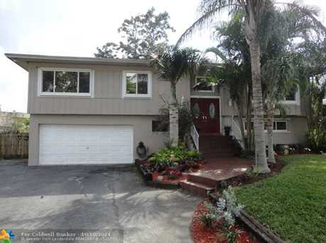 7824 NW 38th Ct - Photo 1
