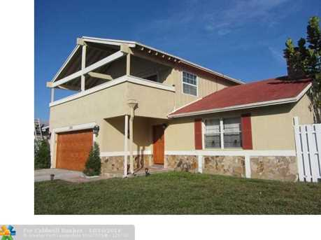 2005 SW 87th Ave - Photo 1