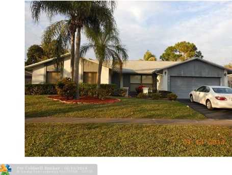 8341 NW 50th St - Photo 1