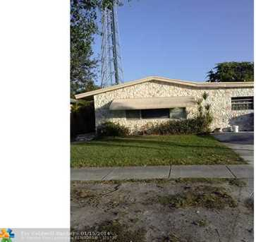 4441 SW 18th St - Photo 1