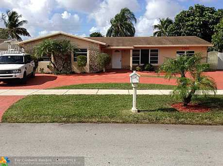 7700 SW 135th Ave - Photo 1