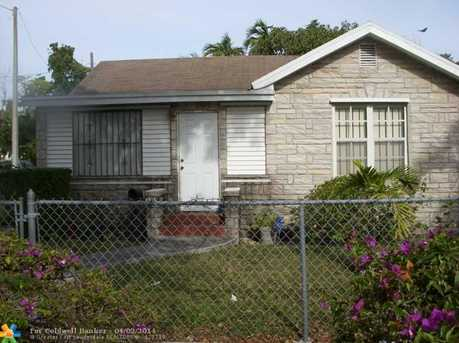 3335 NW 13th Ave - Photo 1