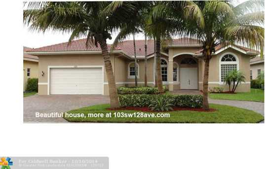 103 SW 128th Ave - Photo 1