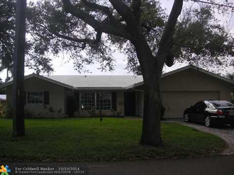 2100 NE 25th St - Photo 1