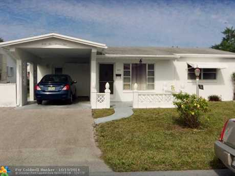 4621 NW 43rd Ct - Photo 1