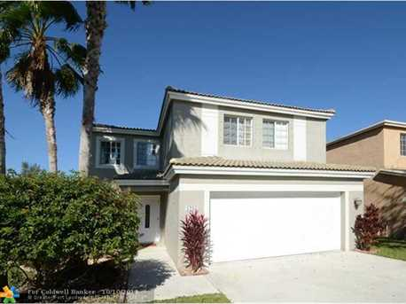 1235 SW 46th Ter - Photo 1
