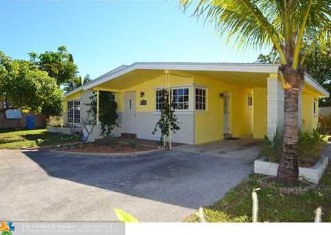 610 NW 40th St - Photo 1