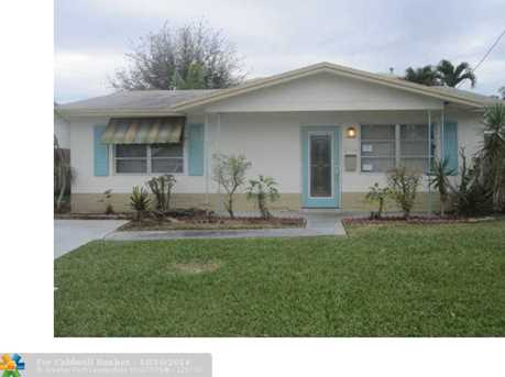 2716 NW 48th St - Photo 1