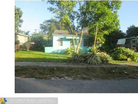 1541 NW 114th St - Photo 1