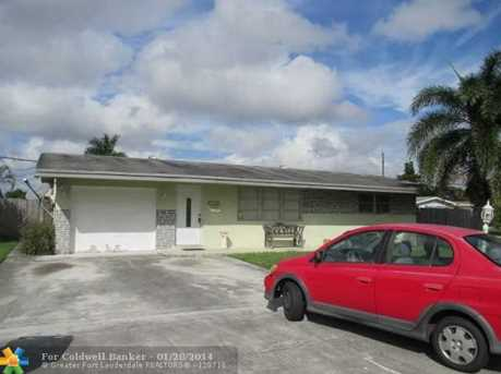 8751 NW 16th St - Photo 1