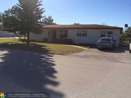 800 SW 30th Ave - Photo 1