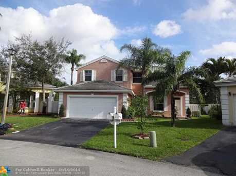 5300 NW 52nd St - Photo 1