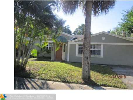 934 SW 18th St - Photo 1