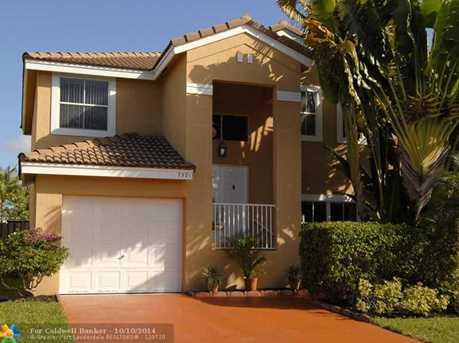7521 Santa Monica Dr - Photo 1