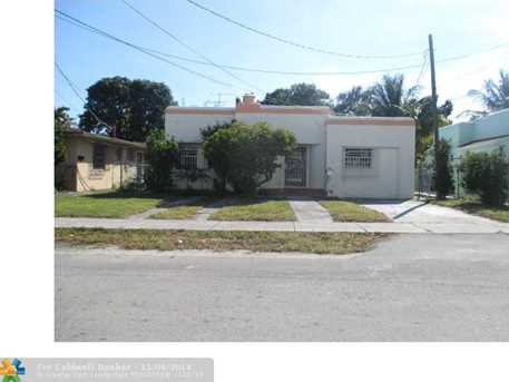 2434 SW 3rd St - Photo 1