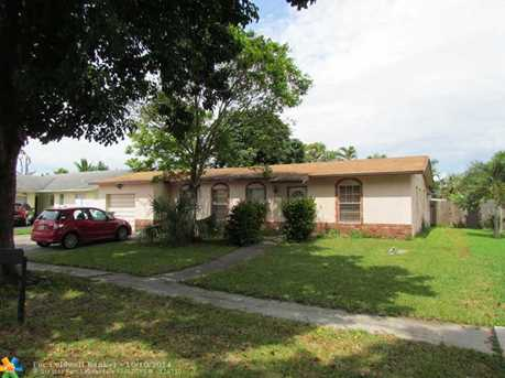8101 NW 44th Ct - Photo 1