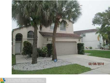 15385 NW 1st St - Photo 1
