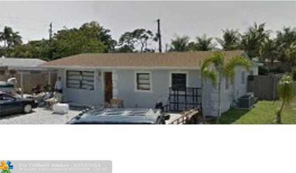 2251 SW 33rd Ave - Photo 1