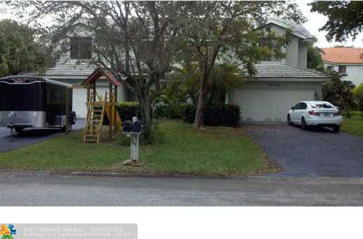 11510 NW 43rd St - Photo 1