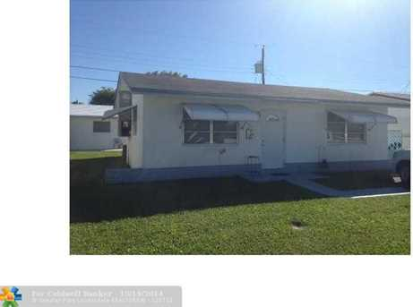 4562 NW 17th Ave - Photo 1