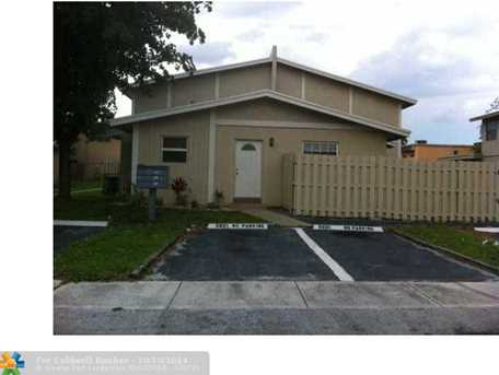 5919 NW 23rd St - Photo 1