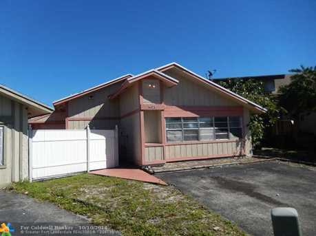 8071 SW 24th Pl - Photo 1