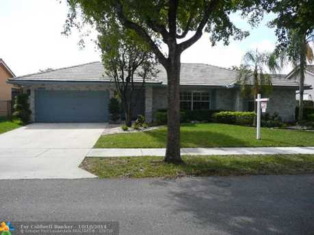 4852 NW 51st St - Photo 1