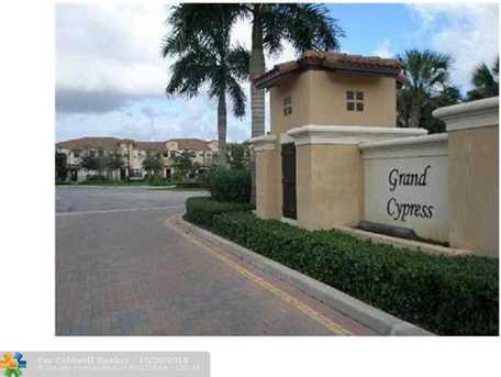 6075 W Grand Cypress Cir W, Unit # 6075 - Photo 1