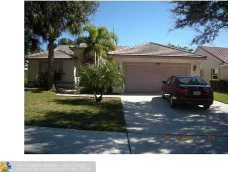 7620 NW 47th Ave - Photo 1