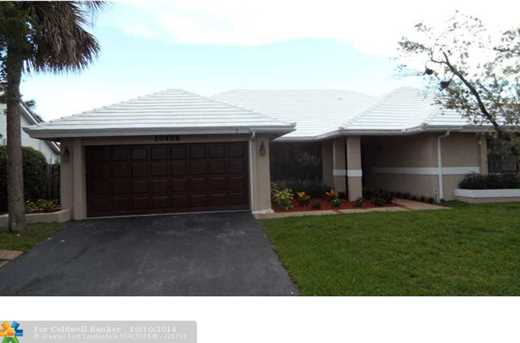 10408 NW 7th Ct - Photo 1