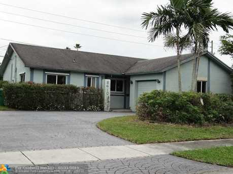 8410 NW 44th Ct - Photo 1