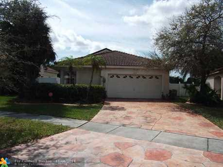 17910 NW 19th St - Photo 1