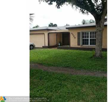 9320 NW 13th St - Photo 1