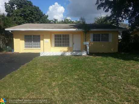 3151 NW 68th St - Photo 1